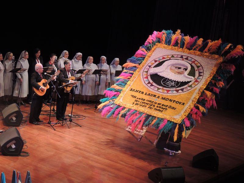 Lanzamiento CD cantos Madre Laura