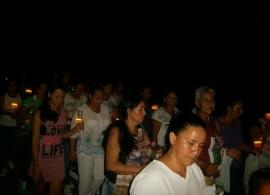 Mujeres acompañando a María de la Soledad
